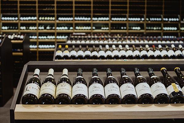 Nous sélectionnons des vins du monde entier pour vous